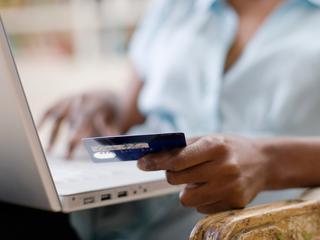 Bijna 12 miljoen Nederlanders winkelen online