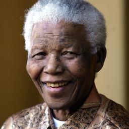 Minuut stilte in betaald voetbal voor Mandela