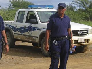 Eerder werden al twee mannen op het eiland aangehouden in verband met de zaak