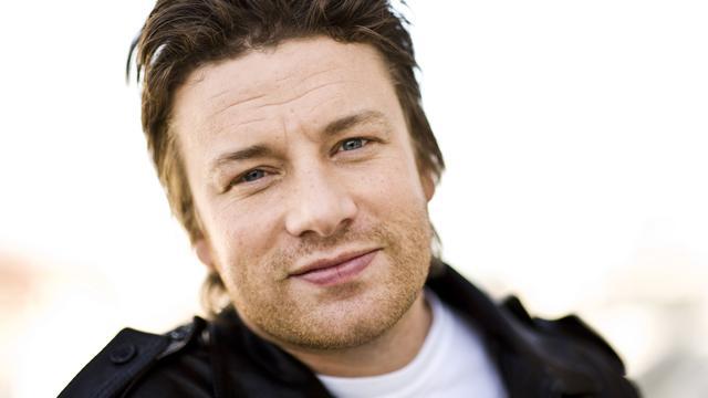 Jamie Oliver wil dat premier May meer doet aan beperken junkfoodreclames