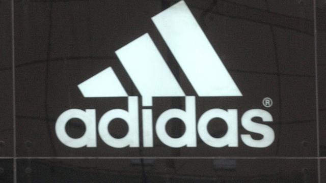 Golfactiviteiten Adidas in de etalage
