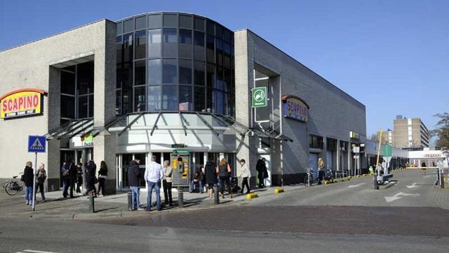 Winkels Paddepoel moeten verplicht open op zondag