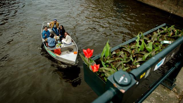 Lijst: Wat zijn de belangrijkste regels om met een bootje te varen in Amsterdam?
