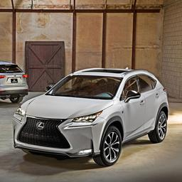 Lexus overweegt kleinere cross-over