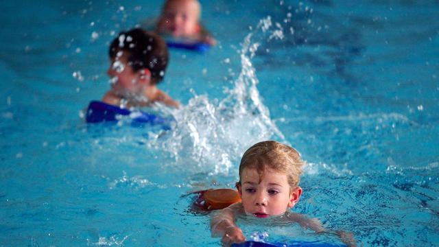 Zusjes voorkomen verdrinkingsdood kleuter in Brediusbad