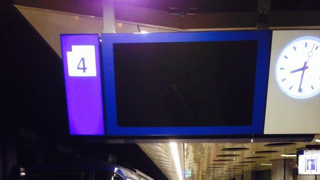 NS kampt met landelijke storing digitale borden op treinstations