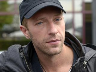 Paparazzo licht geraakt door Jeep van Coldplay-zanger