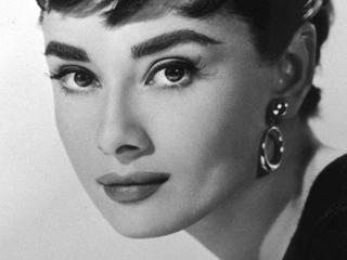 Beroemde actrice doet openhartige bekentenissen over verloving en geboorte