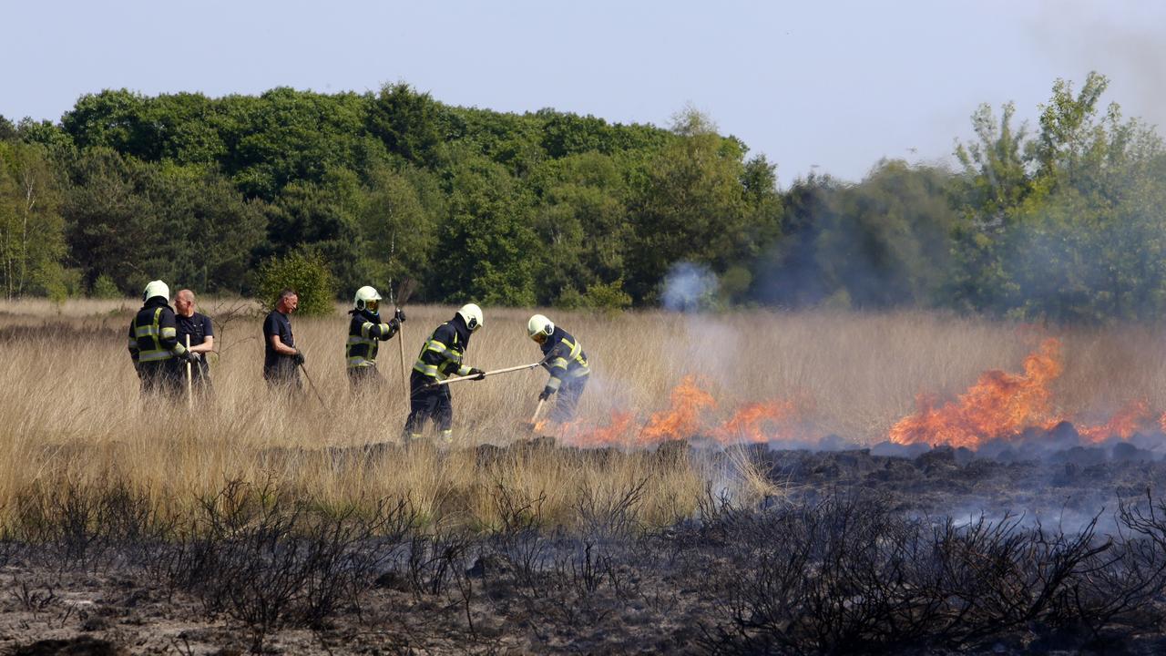 Heide Oirschot staat korte tijd in brand - NU.nl
