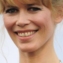 Model Claudia Schiffer aangeklaagd door buurman