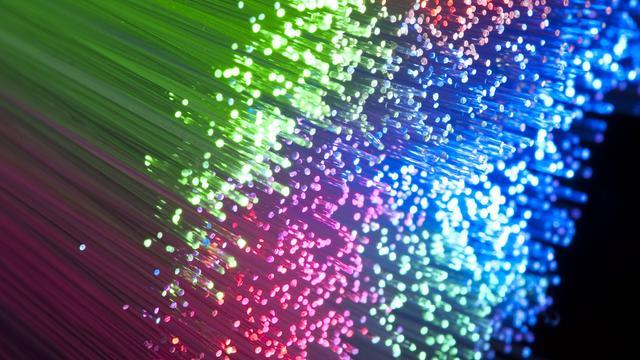 'Glasvezel goed voor 10 procent van breedbandverbindingen'