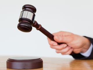Onderzoeksrechter van proces 'jihadronselaar' af