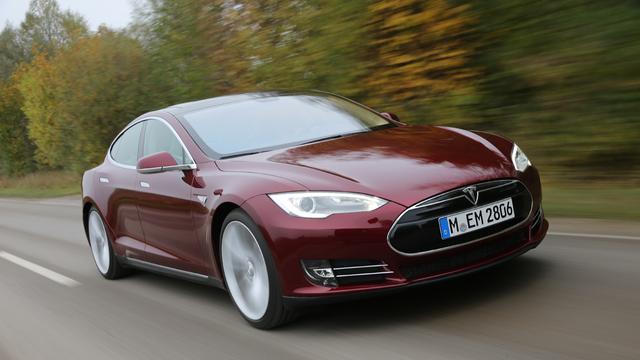 Volgens belegger is Tesla ruim 6 ton per auto waard
