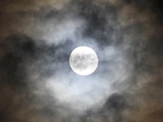 Ook nieuwe maan verhoogt kans op zware bevingen