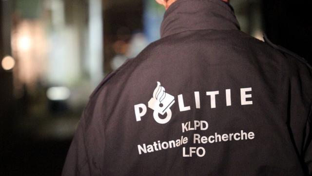 Woning in Zuid gesloten na vondst xtc, revolver en 160.000 euro