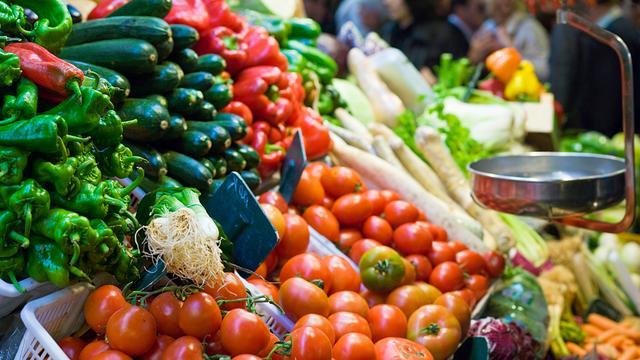 Nog veel bestrijdingsmiddelen op sommige groenten en fruit