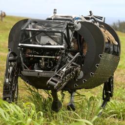 Amerikaans korps mariniers traint met robotezel