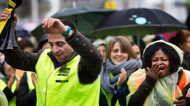 Schoonmakers demonstreren in Rotterdam