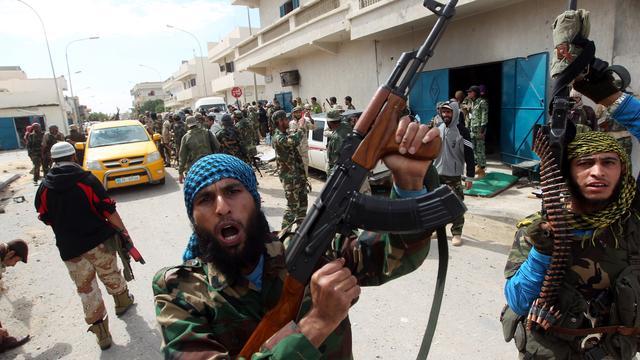 'Kaddafi-aanhangers nemen Bani Walid over'