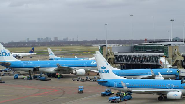 Meer vertraging luchtvaart door slecht weer en stakingen