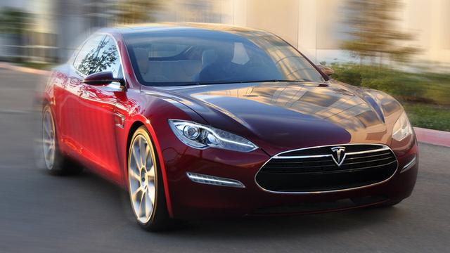 Tesla Model S over enkele maanden deels zelfrijdend