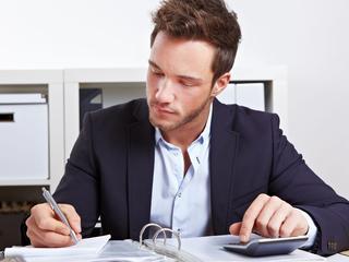 Vooral werknemers klusten in 2014 bij als zelfstandige zonder personeel