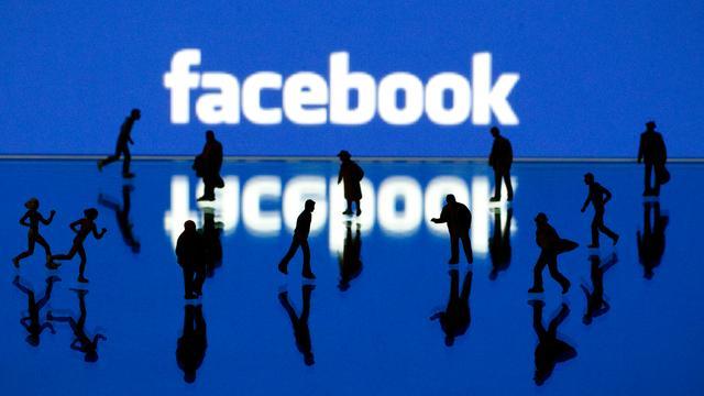 Knab laat klanten geld overmaken via Facebook