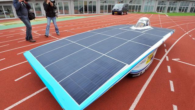 Studenten racen 3.000 km op zonne-energie