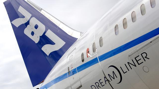 KLM stelt levering Dreamliners uit