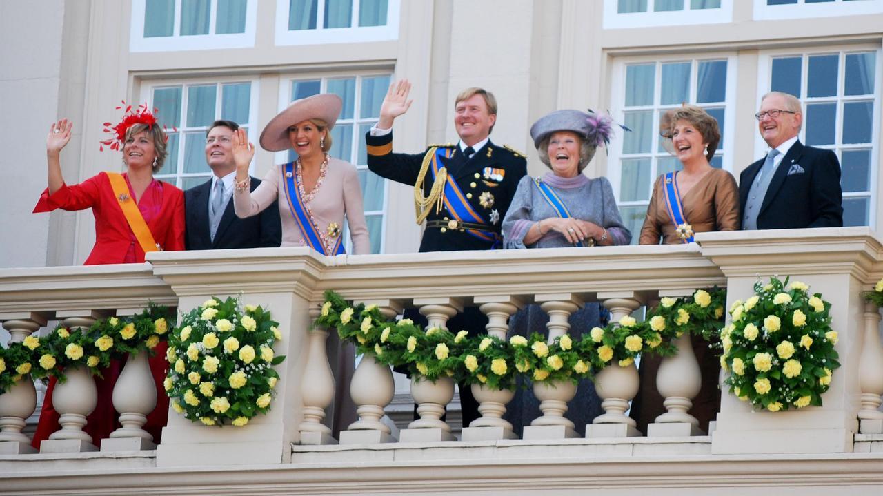 Drie ton voor nieuwe website koninklijk huis nu het laatste nieuws het eerst op - Lay outs rond het huis ...