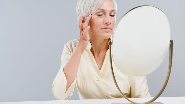 'Voormalig acnepatiënten krijgen minder snel rimpels'