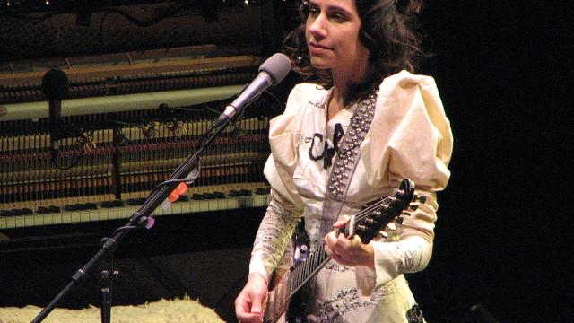 PJ Harvey treedt op tijdens Down The Rabbit Hole