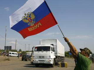 Russisch konvooi rijdt Oekraïne binnen