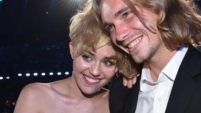 MTV Awards-partner Miley Cyrus gezocht door politie