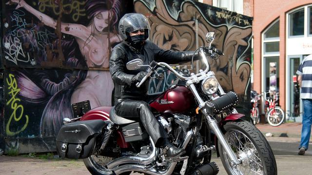 Duizenden motorrijders betogen tegen APK