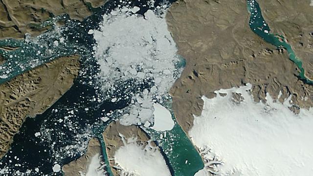 IJs op Groenland smelt sneller dan ooit