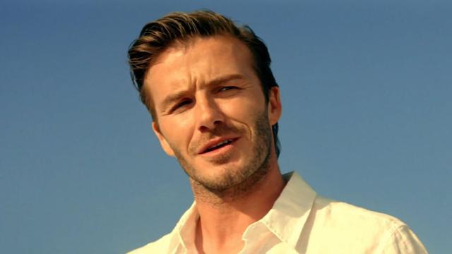 David Beckham houdt kleren voortaan aan