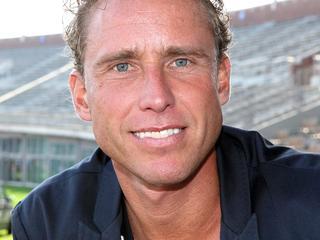 Sportmarketeer Bob van Oosterhout denkt dat de oud-renner niet heel erg beschadigd is door zijn bekentenis. 'Het is wel een deuk in zijn blazoen.'