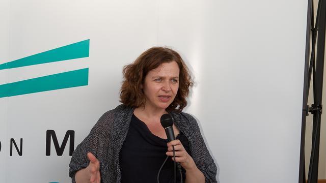 Schippers stelt zorgbezuiniging Bonaire uit