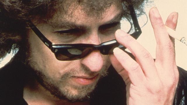 Bob Dylan blijft in de schaduw