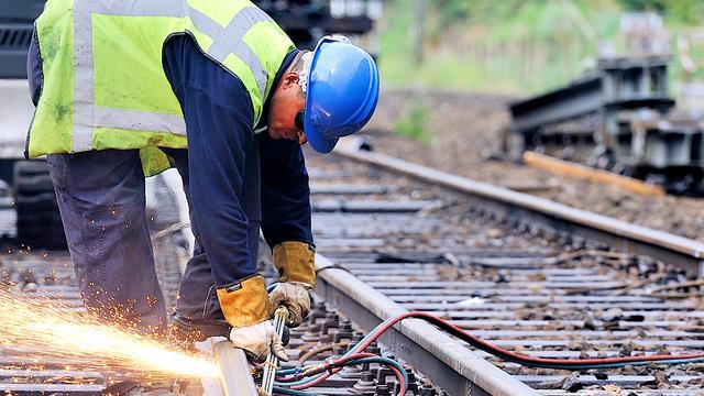 'Nieuwe cao en werkzekerheid spoorwerkers'