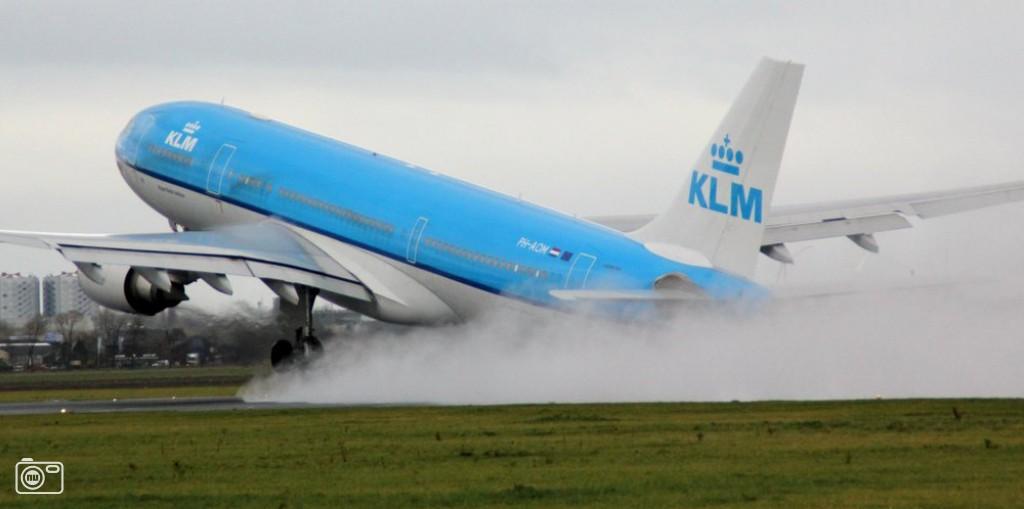Vliegtuig stijgt op van schiphol foto 416302 de laatste nieuwsfoto 39 s zie je het - Vliegtuig badkamer m ...