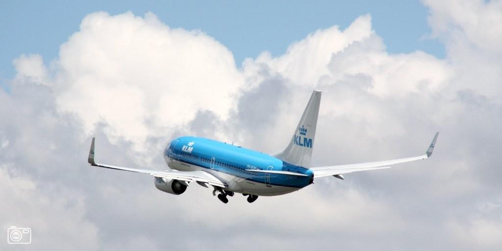 Klm vliegtuig in de wolken bij schiphol foto 474233 de laatste nieuwsfoto 39 s zie je - Vliegtuig badkamer m ...