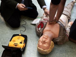 Belangrijkste doel is om zes-minuten-AED-zones te verwezenlijken