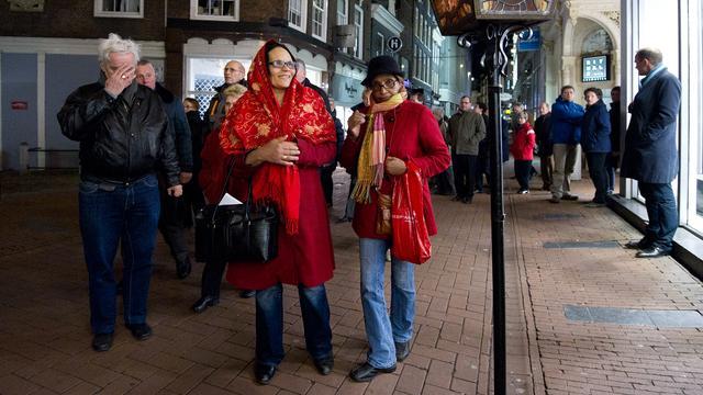 Bijna 8000 mensen lopen Stille Omgang Amsterdam