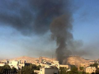 Vliegtuigen bombardeerden tankwagen met lading brandstof
