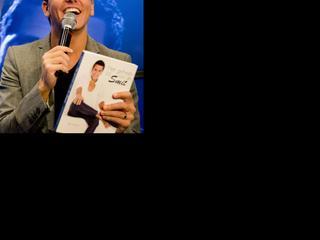 Volendamse zanger boekt weer succes in Nederland