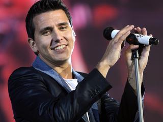 Volendammer laat geen intimiteit toe in zijn concert