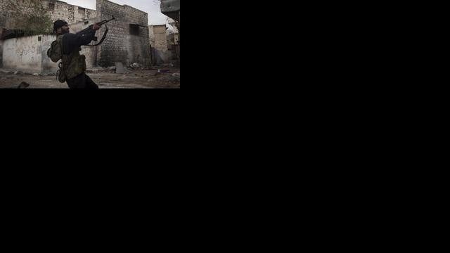 Syriërs steken tenten in brand in Jordanië