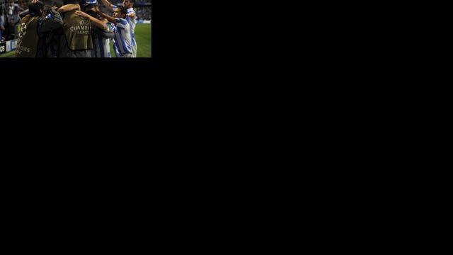 Malaga verstevigt koppositie, Anderlecht onderuit